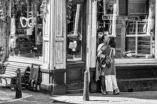 Lovers at the Shop Window by Paul Donohoe
