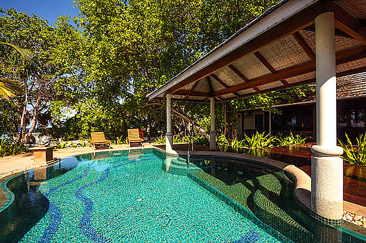 Jenny Rainbow - Luxury Suit with Private Swimming Pool in Mladivian Resort