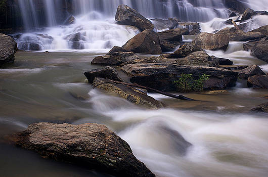 Mae Ya waterfall by Jirawat Cheepsumol