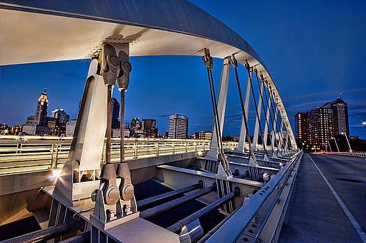 Main St Bridge Columbus, Oh by David Rigg
