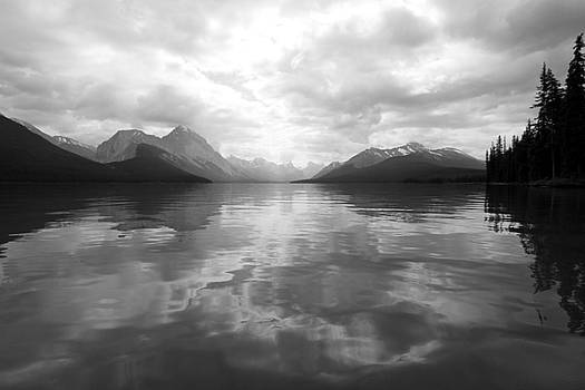 Maligne Lake black and white by Kathy Stanczak