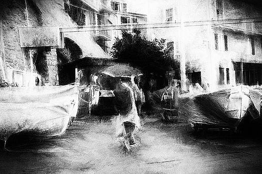Man with umbrella - impressionism street photography by Frank Andree