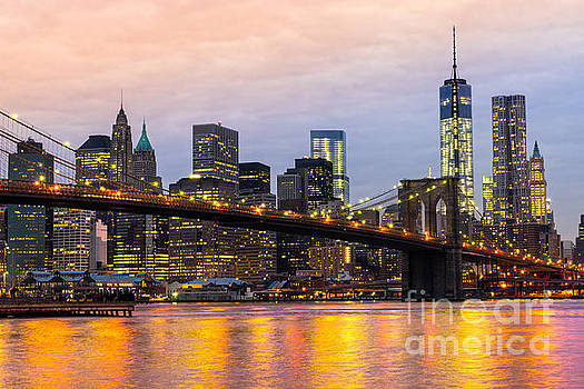 Manhattan - New York City by Luciano Mortula
