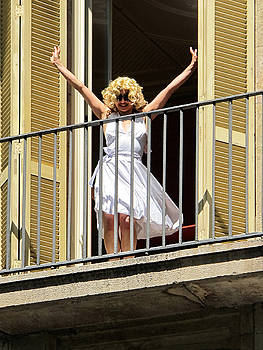 Marilyn in Barcelona by Dave Mills