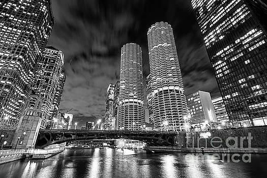 Marina City Chicago by Jeff Lewis