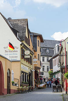 Marktstrasse Rudesheim by Teresa Mucha