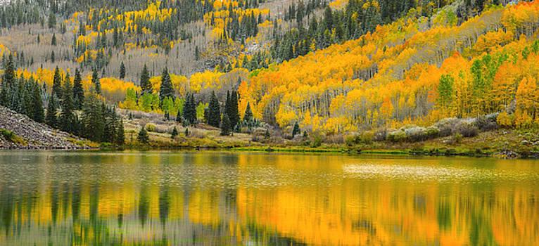Maroon Lake Panoramic by Tim Reaves
