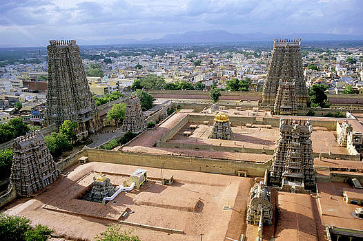 Sami Sarkis - Meenakshi Amman Temple and cityscape of Madurai in India