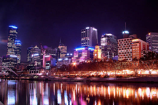 Melbourne at night by Fir Mamat