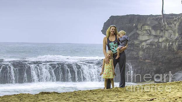 Melinda and Kids by Dustin K Ryan