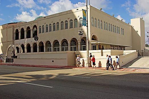 Miami Beach synagogue saturday morning by Zalman Latzkovich