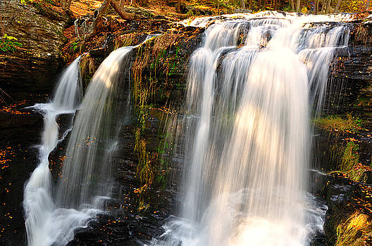 Middle fall at Delaware Water Gap by Jay Mudaliar
