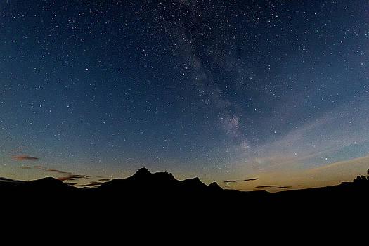 Milky Way Over Ben Loyal by Derek Beattie