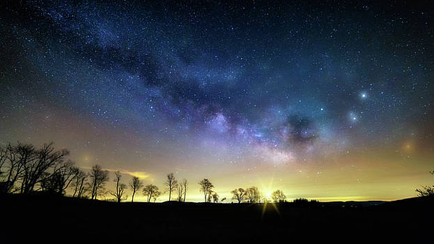 Milky Way Rising by Bill Wakeley