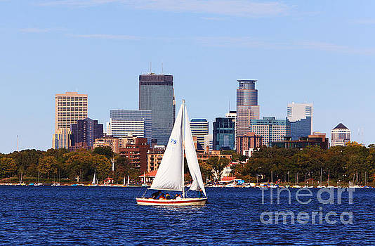 Minneapolis Skyline Lake Calhoun Sailing by Wayne Moran