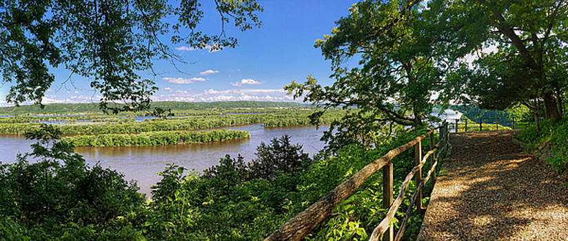 Mississippi River from Fire Point at Effigy Mounds National Monument by Tom Gort