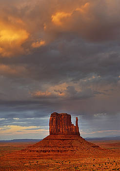 Mitten Sunset, Monument Valley by David Marr