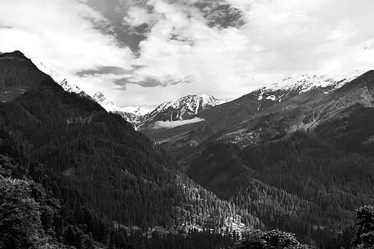 Monochrome heights by Sumit Mehndiratta