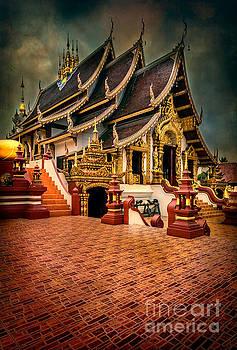 Adrian Evans - Monthian Temple Chiang Mai