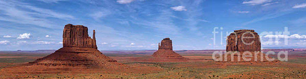 Monument Valley Pano by Jerry Fornarotto
