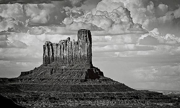 Monument Valley - Stagecoach Butte  by Saija Lehtonen