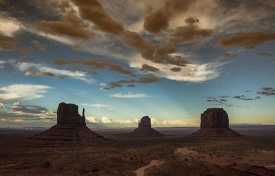 Saija Lehtonen - Monument Valley Style Sunset