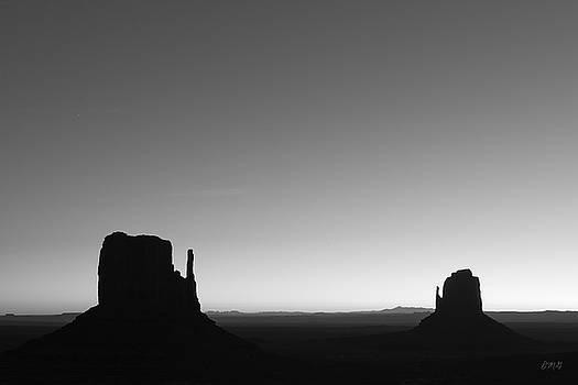 David Gordon - Monument Valley VIII BW