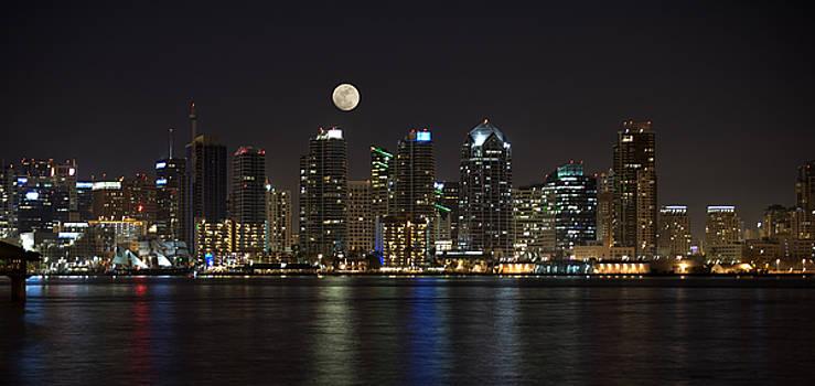 Sandra Bronstein - Moonrise over San Diego