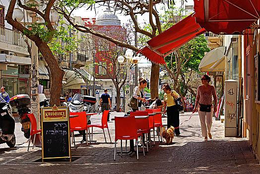 Morning on a street in Tel Aviv by Zalman Latzkovich