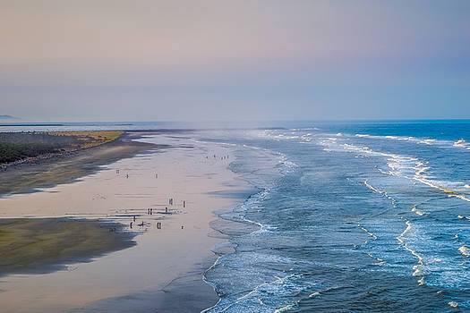 Morning Waves at Long Beach by Ken Stanback