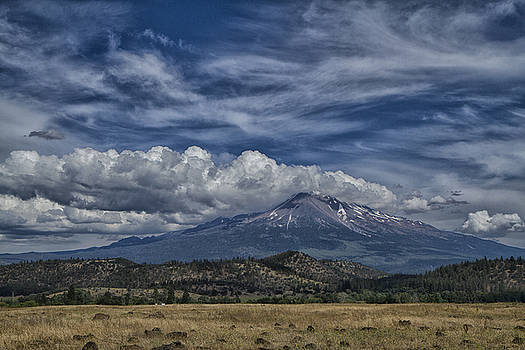 Mount Shasta 9946 by Tom Kelly