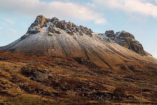 Mountain of Stac Pollaidh by Derek Beattie