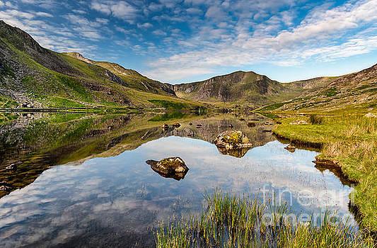 Adrian Evans - Mountain Reflection