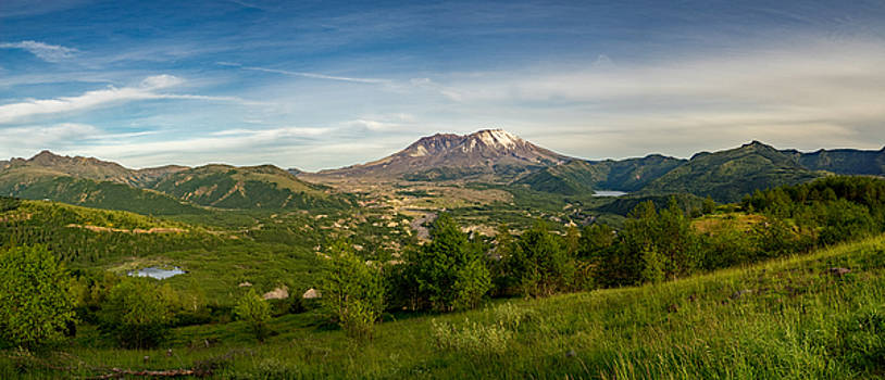 Mt St Helens Valley Viewpoint by Ken Stanback