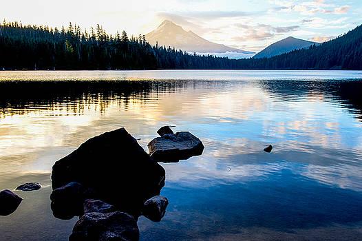 Mt.Hood at Lost lake by Hisao Mogi