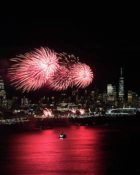 New York Fireworks by Zina Zinchik