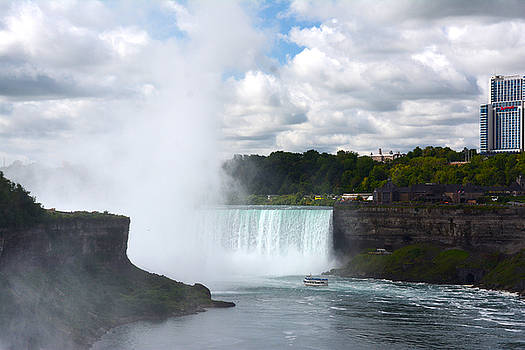 Judy Hall-Folde - Niagara Across the Border