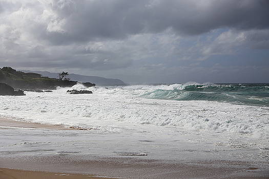 North Shore Oahu by Galina Kolpatcheva