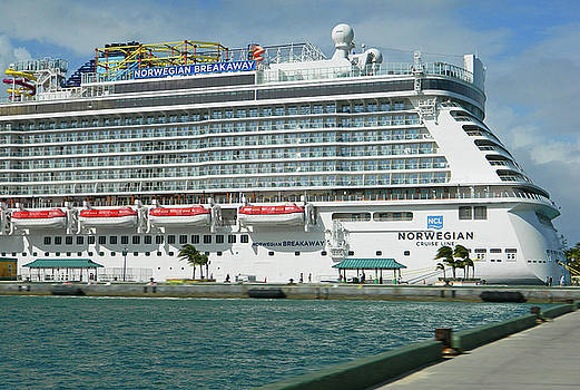 Norwegian Breakaway in Nassau Bahamas by Emmy Vickers