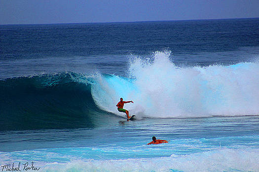 Oahu Pipeline Hawaii by Michael Rucker