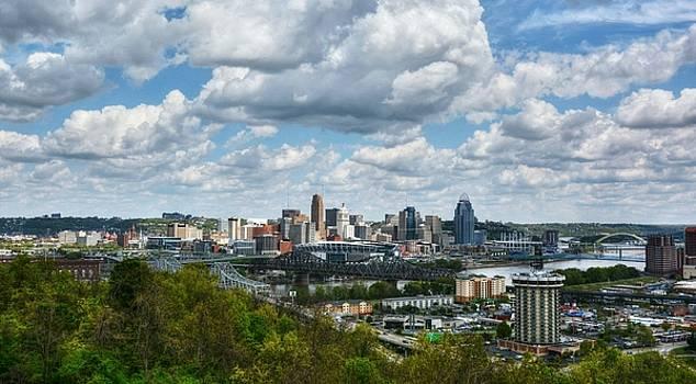 Mel Steinhauer - Ohio River Valley At Cincinnati