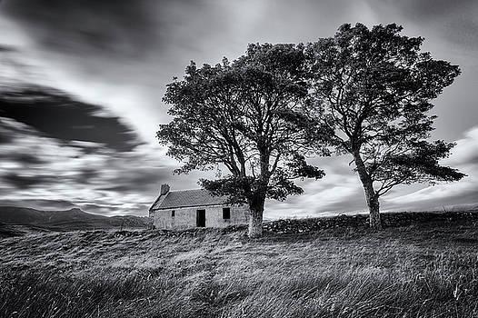 Old Croft House at Lettermore by Derek Beattie