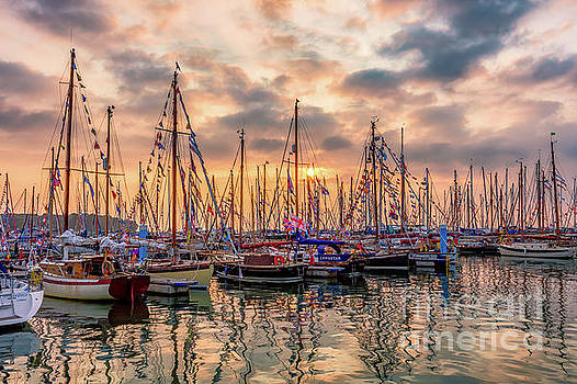 Old Gaffer Sunset Yarmouth by English Landscapes