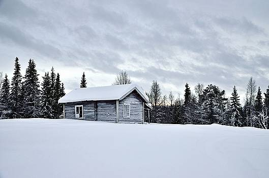 Old house in Lapland by Peder Lundkvist