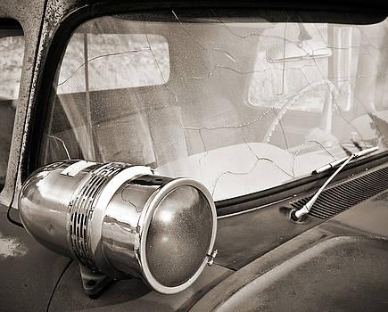 Marilyn Hunt - Old police car siren