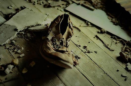 Old Shoe by La Dolce Vita