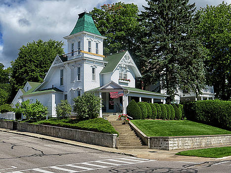 Old Victorian At Harbor Springs by Dave Mills