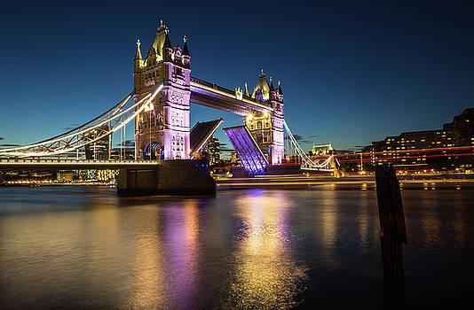 Open Tower Bridge London  by Mariusz Czajkowski
