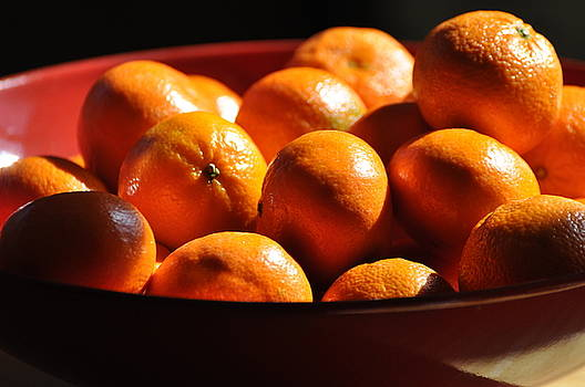 Orange Bowl by Peter  McIntosh