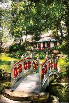 Mike Savad - Orient - Bridge - The bridge to the Temple